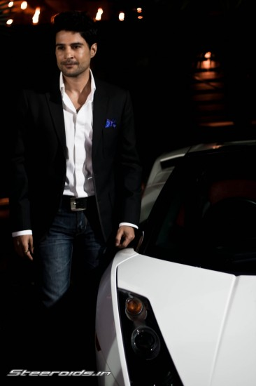 Nat Geo brings in Rajeev Khandelwal to drive its new show 'Super Cars' IMG_6670-366x550